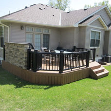 Traditional Deck by Lindus Construction/Midwest LeafGuard