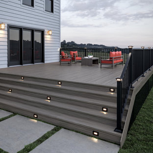 This is an example of a transitional deck in Grand Rapids.
