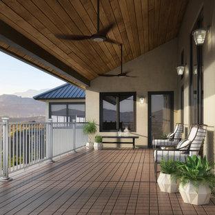 Design ideas for a modern deck in Grand Rapids.