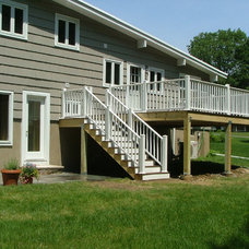 Traditional Deck by Ace Home Medics, LLC