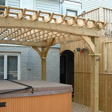 Traditional Deck by Amazing Decks