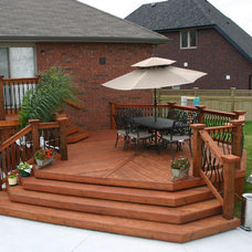 Deck by Creative Homescapes