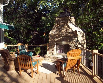 Traditional Porch by Heartlands Building Company