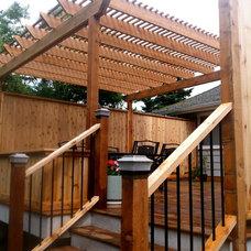 Traditional Deck by Black Tree Developments Ltd.