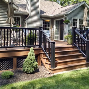 Deck - mid-sized traditional backyard deck idea in Cleveland with no cover
