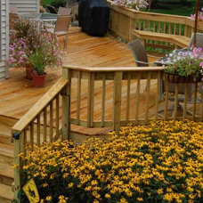 Traditional Deck by Scottish Home Improvements