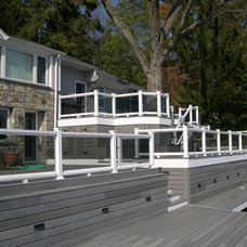 Transitional Deck by Sunrise Carpentry, Inc.