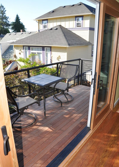 Contemporary Deck by Ventana Construction LLC