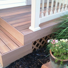 Traditional Deck by W. M. Remodeling, LLC