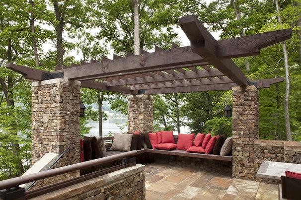 Rustic Deck by Lucas Associates Architects