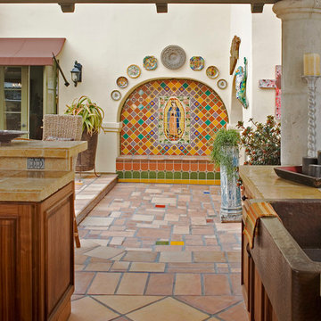 Designing Housewives , Design and Staging Projects