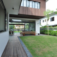 Contemporary Deck by Architology