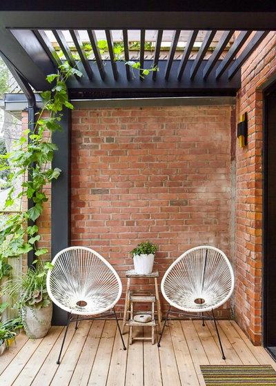 Scandinavian Terrace by Wanda Ely Architect Inc.