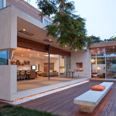 modern deck by DuChateau Floors