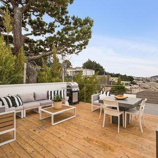 Diseño de terraza contemporánea, de tamaño medio, sin cubierta, en patio trasero