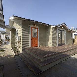 Idee per terrazze e balconi stile americano di medie dimensioni e dietro casa con nessuna copertura