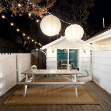 Beach Style Deck by Brunelleschi Construction
