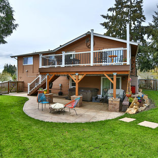 Mountain style deck photo in Seattle