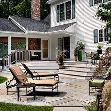 Traditional Deck by Charles C Hugo Landscape Design