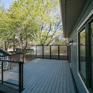 Foto de terraza actual, de tamaño medio, sin cubierta, en patio lateral