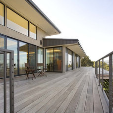 Contemporary Deck by Mark English Architects, AIA