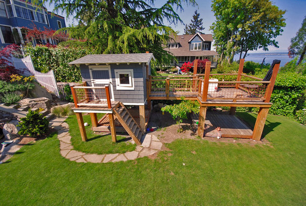 Beach Style Deck by Exteriorscapes llc