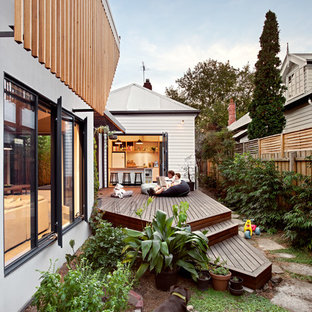 Design ideas for a contemporary side yard deck in Melbourne with no cover.
