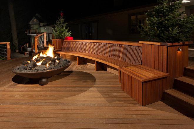 Contemporary Deck by Decks by Kiefer LLC