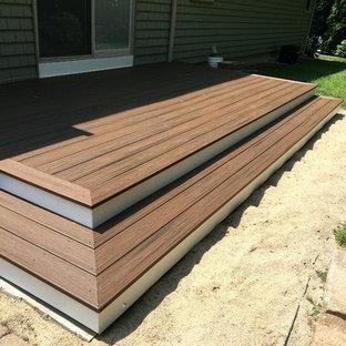 Foto di una terrazza design di medie dimensioni e dietro casa con nessuna copertura