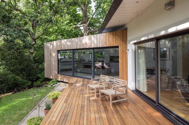 Minimalistisch Terrasse by Footprint Architects Ltd