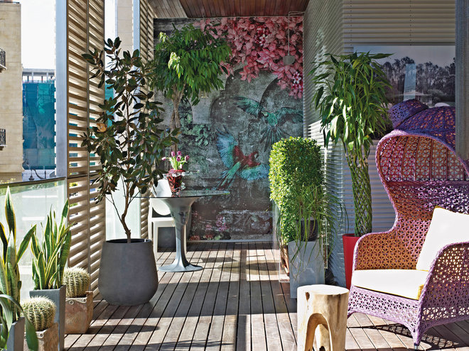 Eclectic Deck by Vick Vanlian Architecture and Design