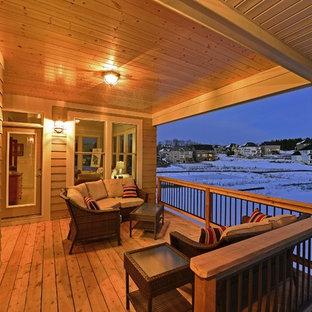 Cette photo montre une terrasse craftsman.