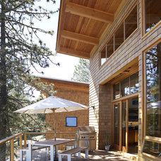 Rustic Deck by 2fORM Architecture