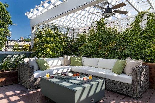 Klassisch modern Terrasse by Chicago Specialty Gardens, Inc.