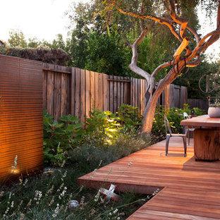 Foto di una terrazza minimal dietro casa con nessuna copertura