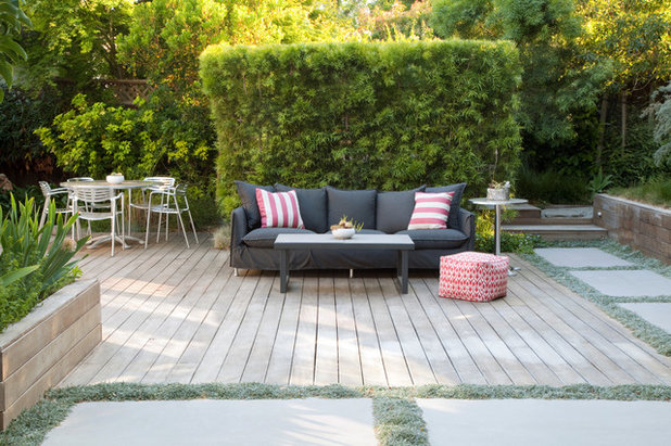 Scandinavian Deck by Growsgreen Landscape Design