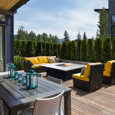 Contemporary Deck by Evoke