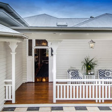Beach Style Deck by Highgate House