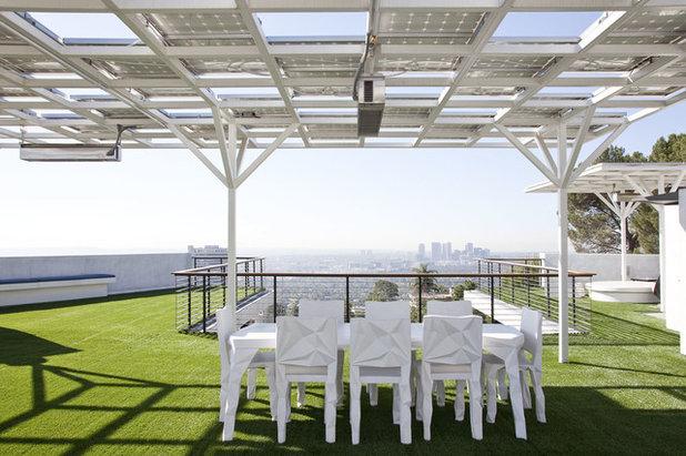 Modern Terrace by NEW THEME Inc.