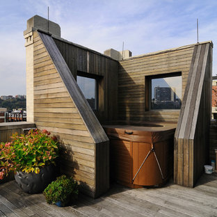 Inspiration for a contemporary rooftop deck remodel in New York