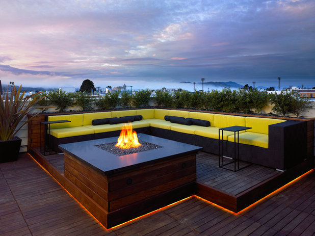 Contemporary Deck by Siol
