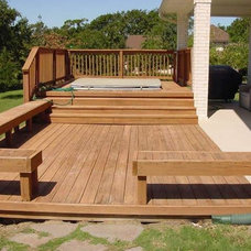 Traditional Deck by Truly Noble Services, Inc.