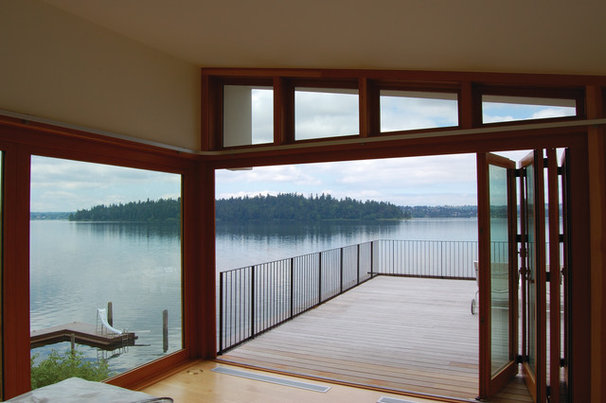 Contemporary Deck by Robert Hutchison Architecture
