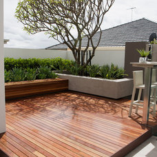 Contemporary Deck by Tim Davies Landscaping