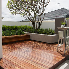 contemporary patio by Tim Davies Landscaping
