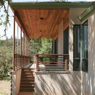 Inspiration for a mid-sized modern deck remodel in San Francisco