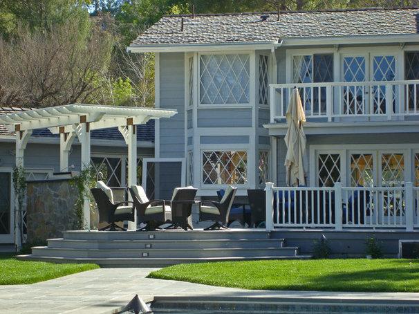Traditional Deck by Stephanie Ann Davis Landscape Design