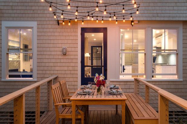 Coastal Terrace & Balcony by Whitten Architects