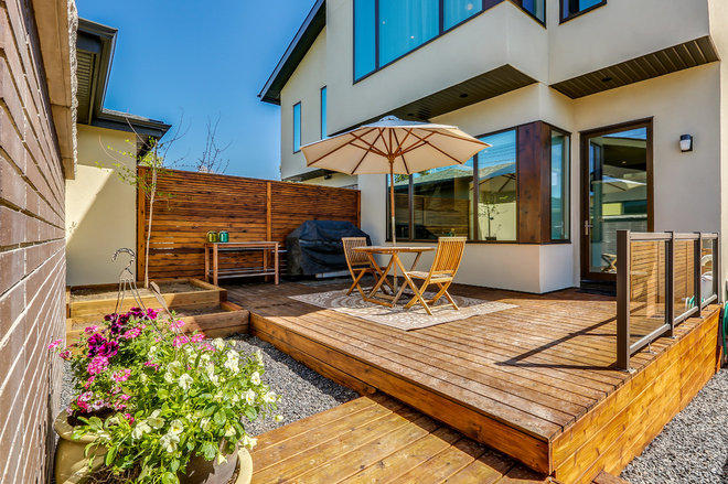 Modern Deck by Lighthouse Studios Residential Design