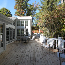 Traditional Deck by Lisa Wolfe Design, Ltd